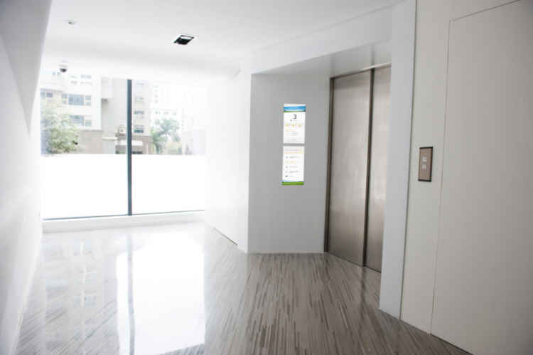 elevator screens for residential buildings